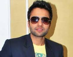 "Now Bheegi Billi joins Jackky for Gangnam style! New Delhi, March 13 : Bollywood actor Jackky Bhagnani is doing every bit to promote ""Desi gangnam"", ... - jackky-bhagnani"