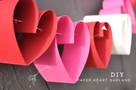 <b>DIY</b>: Paper <b>Heart</b> Garland