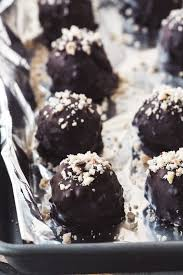 How to <b>Make</b> Homemade Ferrero <b>Rocher</b> Truffles | The View from ...