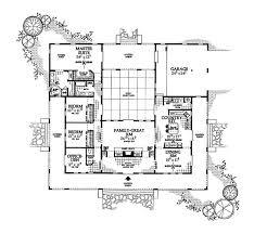ideas about U Shaped Houses on Pinterest   U Shaped House    U Shaped House Plan   Courtyard