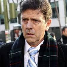 Eufemiano Fuentes heeft een celstraf van een jaar gekregen voor zijn aandeel in het dopingschandaal Operacion Puerto. - m1nxb9oab3fr_sqr256