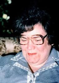 Mijn moeder, Grietje Cornelia Dekker-Schutter (5 dec 1924 / 11 feb 2000) op haar verjaardag in 1979: Ma. Mijn oma (1 feb 1899 / 28 dec 1989), ... - ma5dec79