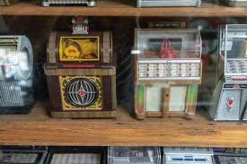 Bangkok, Thailand - Sept <b>24</b>, 2018 : Mini <b>Vintage Retro</b> Jukebox ...