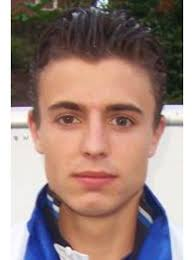 Der 23-jährige Kurt Becker schwebt nicht mehr in Lebensgefahr. Der Bezirks-Kicker vom SSV Berghausen musste wegen einer Hirn-Schwellung ins künstliche Koma ... - 0021101387-0052074569