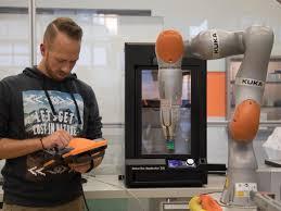 Here's how 3D <b>printing</b> makes <b>the robots</b> that <b>make</b> everything else ...