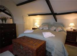 bad feng shui ceiling beams in the bedroom can hurt your relationship bad feng shui bedroom