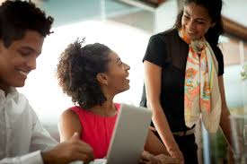 what makes a great employee recognition program
