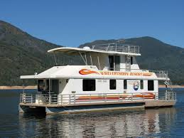 Silverthorn Resort • <b>Queen II</b> Houseboat: Luxury on the Lake