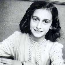 <b>Anne Frank</b>. Publiée le 2012-08-31 15:07:18 par Pixie-Flore - AVT_Anne-Frank_1471