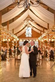 rustic virginia wedding lelia marie photography barn lighting 1 barn wedding lighting