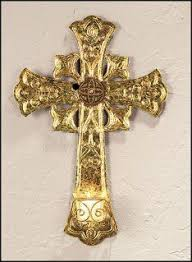 iron wall cross love: wrought iron wall crosses have today become one of the most widely used decorative accents at home now with the christmas season approaching