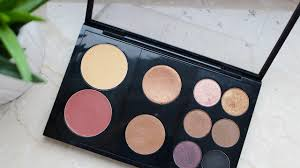 What's in my <b>MAC Pro Palette</b> (Customisable) - YouTube
