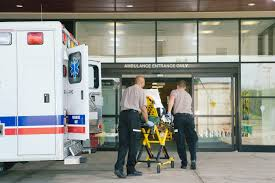 Differences <b>Between</b> an EMT and a Paramedic