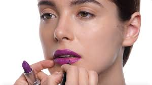 HOW-TO: Intense <b>Heroine</b> Lip   <b>MAC</b> Cosmetics - YouTube