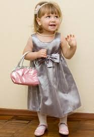 Eleganckie sukienki na święta dla dziewczynek