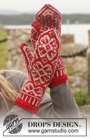 Winter <b>Rose</b> Gloves / DROPS 150-3 - Free knitting <b>patterns</b> by ...