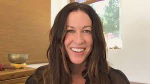 """<b>Alanis Morissette</b> Says """"Unschooling"""" Her Three Kids is a 24/7 Job ..."""