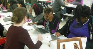 United Way helping JMAC Sophomore     s with Resume Writing Milwaukee Public Schools