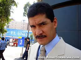 Carlos Montalvo, mas que un romántico de la cumbia - AmericaSalsa.com - DSCCarlosMontalvo-3