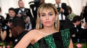 No, Miley Cyrus did NOT <b>dress</b> as Hannah <b>Montana</b> at the Met Gala ...