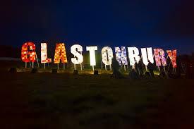 Картинки по запросу Фестиваль Glastonbury Великобритании