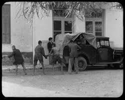 Αποτέλεσμα εικόνας για μαυραγοριτες ελληνικη ταινια ξυπολητο ταγμα