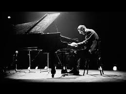 <b>BILL</b> EVANS WITH <b>STAN GETZ</b> LIVE: THE PEACOCKS. - YouTube