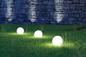 create striking effects with your outdoor lighting plan amazing outdoor lighting
