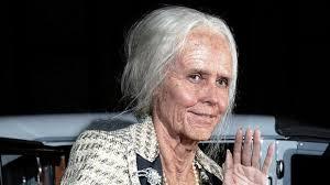 Mit ihrer diesjährigen Verkleidung zu Halloween hat sich Heidi Klum etwas ganz besonderes einfallen lassen. Als 95-jährige Oma feierte das Topmodel auf ... - 19-Heidi-Klum-2013-dpa_150717_teaser_620x348