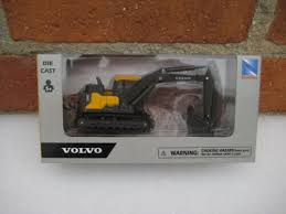 "Volvo EC140E <b>Excavator</b> 6.5"" Diecast With <b>Plastic</b> Construction New ..."