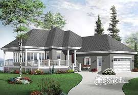 House plan W  V detail from DrummondHousePlans com    front   ORIGINAL MODEL Ideal for empty nesters  bedrooms  solarium and double garage