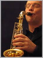 Hans Åkesson växte upp i ett hem med mycket sång och musik. Som nioåring började han spela piano, men övergick efter några år till klarinett. - bild_musik