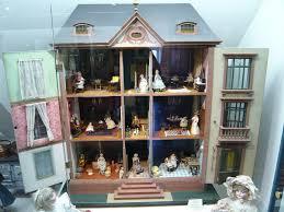 <b>Кукольный домик</b> — Википедия
