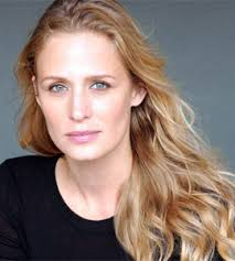 Samantha Smith plays Mary Winchester on Supernatural. - Samantha_Smith