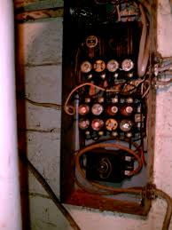 electrical system moan i'm just a home moaner Old Fuse Box when we bought the house it had the old electrical fuse box old fuse box diagram