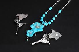 Turquoise necklaces and <b>Rose quartz</b> brooches, Kōshū Crystal ...