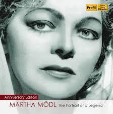 """... a Martha Mödl (Nüremberg, 1912-2001), pilar interpretativo del """"Nuevo"""" Bayreuth de posguerra y – junto a Varnay y Nilsson – musas inspiradoras de… - 881488120066"""