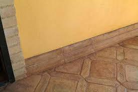 Zoccolo Esterno In Pietra : Battiscopa per esterno