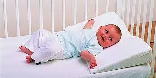 Когда младенцу можно подушку, как выбрать <b>подушку для малыша</b>