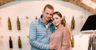 Тарасов пришел на концерт T-<b>Killah</b> с беременной женой, а ...