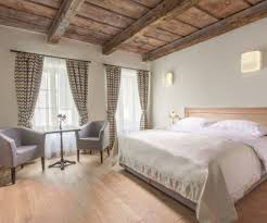 Hotel At the White Lily Prague | <b>Romantic</b> hotel Prague Castle ...