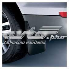 <b>Брызговики передних</b> колес на Audi Q5 2013
