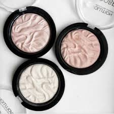 <b>Хайлайтер Makeup Revolution</b> Strobe highlighter | Отзывы ...