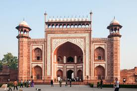 white marble a photo essay of the taj mahal scribble snap travel the great gate darwaza i rauza gateway to the taj mahal