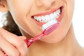 10 лучших <b>отбеливающих зубных паст</b> — Рейтинг 2019 года (Топ ...