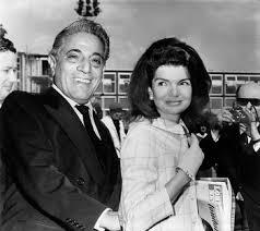 「1968年 - ジャクリーン・ケネディがギリシャの海運王オナシスと再婚。」の画像検索結果