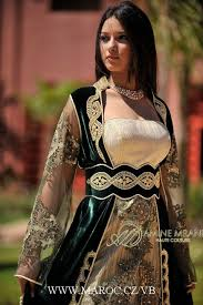 Caftans ♥ images?q=tbn:ANd9GcQ