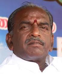 குஷ்பு  காந்தியாகவோ, காமராஜராகவோ முடியாது