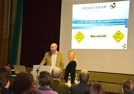 Oberarzt Florian Daxer und Dr. Donata Müller informieren über Wirkung, Gefahren, Folgen von Alkoholkonsum Jugendlicher - 1954934_web