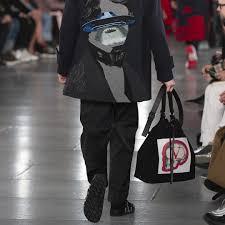 <b>Men's</b> Couture Collection - '19-'20 <b>Autumn</b>/Winter | Valentino.com